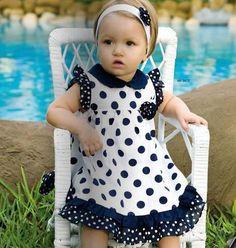 moda bebe - Buscar con Google                                                                                                                                                                                 Mais                                                                                                                                                                                 Mais Little Dresses, Little Girl Dresses, Girls Dresses, Mom Dress, Baby Dress, Toddler Fashion, Kids Fashion, Glamour Fashion, Sewing Kids Clothes