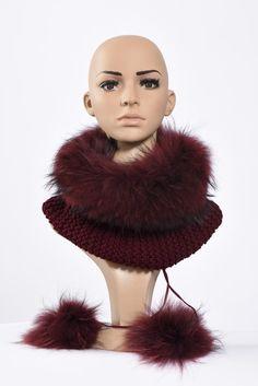 Πλεκτά με γούνα : Burgundy neck warmer and hat Neck Warmer, Burgundy, Fur, Detail, Knitting, Hats, Tricot, Hat, Breien