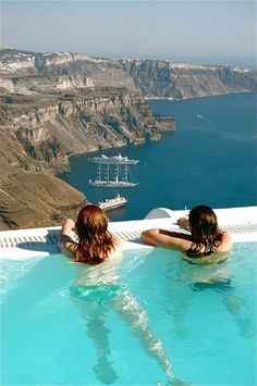 majestic pool view, Santorini, Greece FINDTRAVELOFFERS.COM