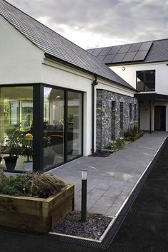 "65 best modern exterior home architectural styles and best modern exterior home architectural styles and designs 62 > Fieltro.Net""> 65 Best Modern Exterior Home Architectural Styles and Designs > Fieltro. Architectural Styles, Bungalow House Design, Modern House Design, Passive House Design, Bungalow Ideas, Bungalow House Plans, House Designs Ireland, House Ireland, Rendered Houses"