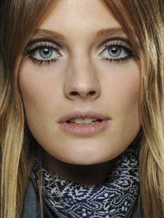 Maquillage des yeux : astuces pour bien se maquiller les yeux - aufeminin
