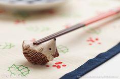 【楽天市場】箸置き ソラマメ商会 豆屋 はしおき はりねずみ あおむけ 茶 MN-002:Life Balance (ライフバランス)