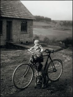 August Sander    Forester's Child, Westerwald, 1931