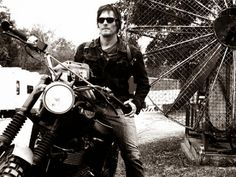 8 Reasons Why Every Cat Lady Should Fall in Love With Norman Reedus | Cat Lady Confidential Walking Dead Actors, The Walking Dead 3, Ghost Rider, Norman Reedus Cat, Charming Man, Marvel, Dead Man, Daryl Dixon, Perfect Man