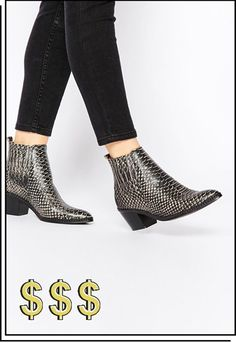 Buy H by Hudson Celeste White Snake Ankle Boots at ASOS. Get the latest trends with ASOS now. Pretty Shoes, Beautiful Shoes, Rocker Chic Outfit, Super Moda, Crocodile, Snake Boots, Leder Boots, Flat Boots, New Shoes