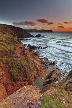 One of my favourite bits of coast . Foxes Photography, British Isles, Devon, Fun Stuff, Places To Go, Scenery, Coast, England, Dreams