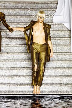 Alexander McQueen Spring 1997 Ready-to-Wear Fashion Show Details
