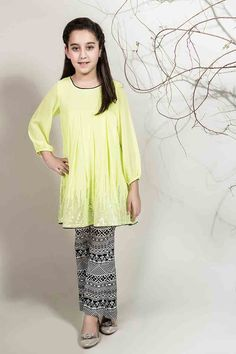 New light yellow or lime short frock with black touser for Pakistani little girls Mariab kids party dresses 2017 for wedding Kids Party Wear Dresses, Dresses Kids Girl, Girl Outfits, Baby Frock Pattern, Frock Patterns, Pakistani Kids Dresses, Pakistani Shadi, Kids Frocks, Indian Designer Outfits