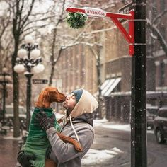 Merry Christmas! I hope you are sharing some love tonight and we are all wishing you a beautiful holiday. #merrychristmas #vankiss #dailyhivevan #happyholidays