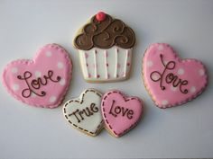 More Valentine's Day cookies! Valentines Day Cakes, My Funny Valentine, Valentine Cookies, Valentine Day Love, Valentines Baking, Cupcakes, Cupcake Cookies, Iced Cookies, Royal Icing Cookies