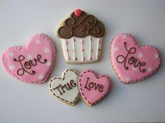 """pink #valentine's day #cookies Repinned By:#TheCookieCutterCompany (la forma de los espirales en el """"betun"""")"""