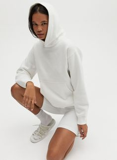 This is a relaxed pullover hoodie. The hood is designed to keep its shape and sit perfectly on your neck and shoulders. It's made with Tna's Classic Fleece, an ultra-plush, brushed fabric. Winter Outfits, Outfits Casual, Spring Outfits, Lounge Outfit, Lounge Wear, Jumper, Hoodie Outfit, Cool Hoodies, Work Wear