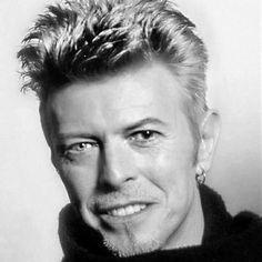 Music rock art david bowie 19 New ideas David Bowie Ziggy, The Thin White Duke, Major Tom, Ziggy Stardust, David Jones, Music Artists, Rock And Roll, Portrait, Celebrities