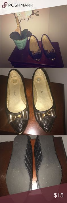 🎉SO CUTE! Gold Bow Flats! 🎀 With a heavy heart, I must re-posh these adorable flats! Patent leather w/a structured gold bow, they're too perfect! They have hardly ANY wear, a few tiny scuffs on the very tip which is not noticeable while wearing. These are labeled as size 8, but they are DEFINITELY a 7 1/2. I am always a size 8 and they are super tight on me. My mom is always a size 7 1/2,they fit her PERFECTLY! They're just not her style (her loss 😂). These were part of a trade deal, so…