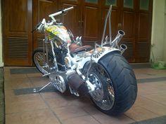 Basic on Softail 1996 Evo Engine, Paucho Springer + Demoncycle Frame