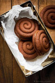 No sé qué me pasa a mí con las galletas, ¡¡¡pero es que me encanta hacerlas!!! Siempre siempre que me apetece hacer repostería, mi pr...