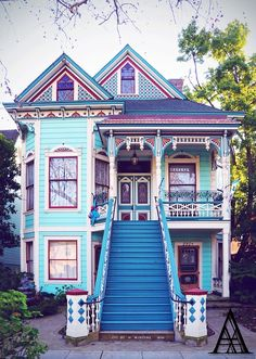 I would like to convince Ben to paint our house this color but I don't think it's going to happen.