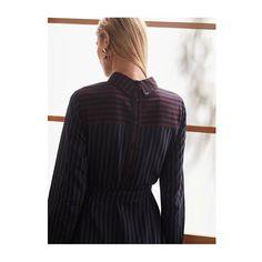 いいね!1,082件、コメント4件 ― BCBGMAXAZRIAさん(@bcbgmaxazria)のInstagramアカウント: 「Unconventional Dresses. Meet the Megaen Stripe Backward Dress. #bcbgmaxazria」
