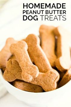 These easy, healthy Homemade Dog Treats are a special recipe to serve your favorite pet! Homemade dog treats are a simple way to let your little puppy know they're loved. This easy, healthy homemade dog Dog Cookie Recipes, Homemade Dog Cookies, Dog Biscuit Recipes, Homemade Dog Food, Dog Treat Recipes, Healthy Dog Treats, Dog Food Recipes, Homemade Dog Biscuits, Pet Treats