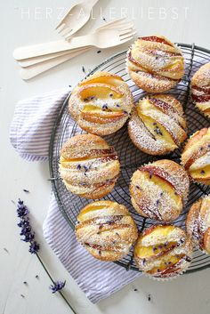 Lavender Nectarine Muffins by Herz-Allerliebst Delicious Desserts, Yummy Food, Tasty, Cookies, I Love Food, Scones, Chefs, Food Inspiration, Sweet Recipes