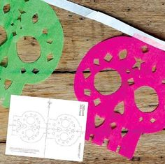DIY papel picado calavera templates: Watch video tutorial for DIY craft tips! Diy And Crafts Sewing, Crafts To Sell, Diy Crafts, Craft Tutorials, Craft Projects, Mexican Paper Flowers, Party Decoration, Craft Decorations, Craft Wedding