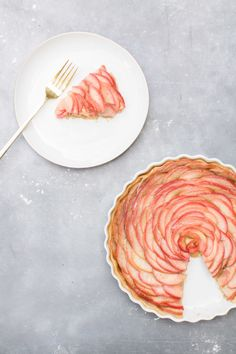 What's better than flowers? A pie that looks like a beautiful rose!