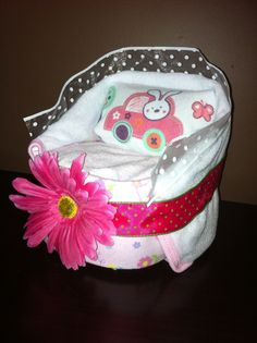 Diaper bassinet Includes 16 diapers  1 bib 1 receiving blanket 1 baby wash cloth 1 baby bath towel  Order one today! Text 705-716-8741 or email me at t.denardis@hotmail.ca *Choose from pink, blue, or yellow/green. *Choose your diaper size (pull-ups can be used but raises the cost).  *can be shipped within Ontario or FREE pick up in the southern part of Barrie.  PLEASE NOTE: patterns and brands are subject to change.