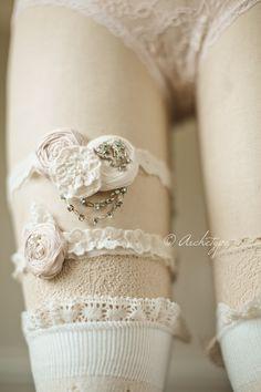 Rosebud Lips Bridal French Lace Wedding Garter Set- Soft Pink Romance Wedding