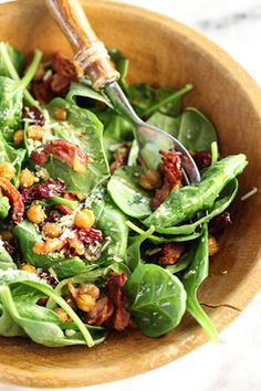 Recipe - Feature Recipe / Spinach Salad with Hot Bacon Dressing on www.cravegoldcoast.com.au/recipes/feature_recipe_04.html