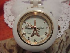 White watch de Victoriaprettyangels en Etsy