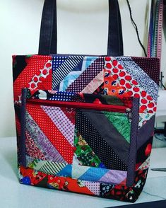 Patchwork Bag: 45 Models and Step by Step Patchwork Bags, Quilted Bag, Bag Quilt, Pouch Pattern, Insulated Lunch Bags, Linen Bag, Fabric Bags, Womens Purses, Handmade Bags