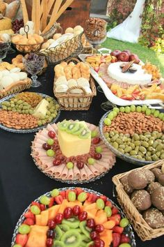 Wedding Buffet Food Party Buffet Food Set Up Food Platters Christmas Brunch Brunch Party Food Presentation Appetizers For Party Party Snacks Food Buffet, Brunch Buffet, Party Buffet, Food Platters, Holiday Appetizers, Appetizer Recipes, Food Displays, Picnic Foods, Party Snacks