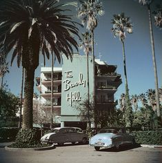 Slim Aarons Beverly Hills Hotel Framed - From the archives of Getty's famous images. Framed print by Slim Aarons of Beverly Hills Hotel on Sunset Boulevard in California, Color Photography, Vintage Photography, White Photography, Landscape Photography, Inspiring Photography, Beverly Hills Hotel, The Beverly, Slim Aarons Prints, Cities