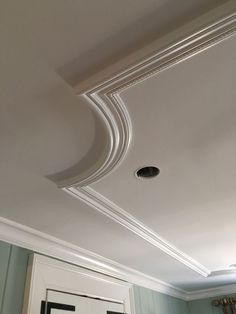 Plaster Ceiling Design, Molding Ceiling, House Ceiling Design, Ceiling Design Living Room, Bedroom False Ceiling Design, Ceiling Light Design, Home Ceiling, Ceiling Decor, Living Room Designs