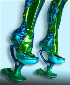 - This futuristic footwear collection is from Kronier Creations, and features a wide array of sky-high space boots and avant-garde high heels. Creative Shoes, Unique Shoes, Crazy Shoes, Me Too Shoes, Weird Shoes, Weird Fashion, Fashion Shoes, Fashion Men, Diy Fashion