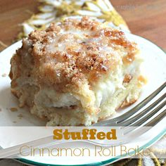 Stuffed Cinnamon Roll Bake Stuffed Cinnamon Roll Bake - This breakfast is so sweet and so scrumptious that it could easily be considered a dessert, too. Breakfast for dessert, breakfast casserole recipe, cinnamon roll recipe Köstliche Desserts, Delicious Desserts, Dessert Recipes, Yummy Food, What's For Breakfast, Breakfast Dishes, Breakfast Recipes, Breakfast Casserole, Cinnamon Roll Casserole