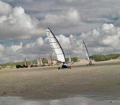 Blokarten op het strand van West aan Zee (paal 8)