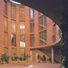 Doña Maria Coronel St Housing (Casa Riñón) Seville - Spain. 1973-76 Architects: Cruz y Ortiz