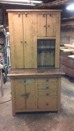 Primitive Cabinets, Old Cabinets, Primitive Furniture, Country Furniture, Antique Furniture, Painted Furniture, Antique Kitchen Cabinets, Colonial Furniture, Primitive Homes