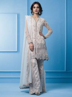 Latest White Dresses Trends Shalwar Kameez Fashion consists of men and women outfits in white color combinations like bridal maxis, frocks, peplum Pakistani Fancy Dresses, Pakistani Bridal Wear, Pakistani Clothing, Pakistani Couture, Pakistani Suits, Indian Dresses, Latest Outfits, Latest Dress, Rose Gold Jacket