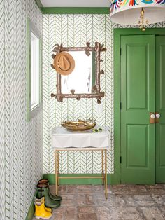 Basic beige can make succulent-green paint colors fall flat, but earthy textures make them sing, Loecke says. Natural accents, such as wicker, sisal, rattan, grass cloth, and stone, are right at home with yellow-greens. #paintcolors #greenpaintcolors #paintcolortrends #bhg Green Wall Color, Green Paint Colors, Green Walls, Bold Colors, Mint Green Paints, Interior Trim, Interior Design, Garage Floor Paint, Green Cabinets