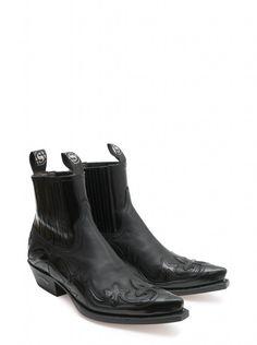 Sendra handmade Spanish boots... 4660 code. STUNNING MUST HAVE. http://sendra.com/en/sendra/cowboy-hombre/
