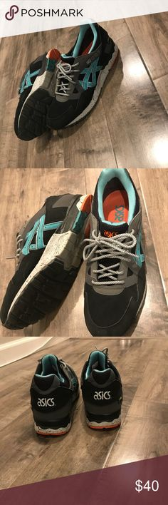 Asics casual men's sneakers size 11 Asics sneakers are on sale! -excellent condition  -barely worn -gel-lyte 5 Asics Shoes Sneakers