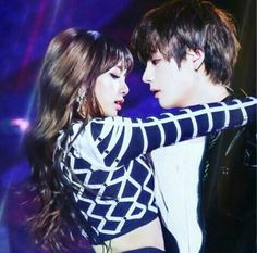Bts Jungkook And V, Blackpink And Bts, Taehyung Fanart, V Taehyung, Korean Couple, Best Couple, Kpop Couples, Cute Couples, Lisa Hair