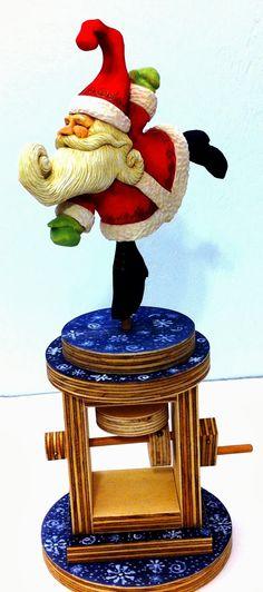 Mike Pounders Wood Carving: Dancing Santa