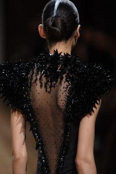 Fashion show couture ON AURA TOUT VU spring/summer 2014