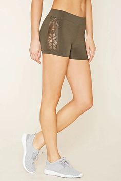 Look and feel your best in Forever 21 activewear and workout clothes for women! Get fit in our sports bras, leggings, shorts, crop tops & more. Athletic Fashion, Athletic Wear, Athletic Shorts, Active Wear For Women, Teen Fashion, Lounge Wear, Gym Shorts Womens, Fashion Looks, Style Inspiration