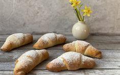 Marmelade Kipferl - Backen mit Christina Hamburger, Muffins, Bakery, Bread, Cooking, Desserts, Food, Mini, Baking Tips