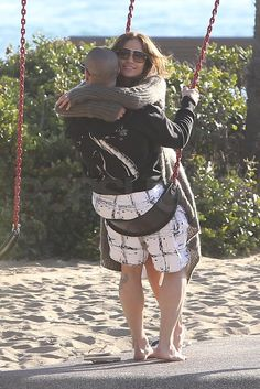Jennifer Lopez and Casper Smart Valentine's PDA Pictures