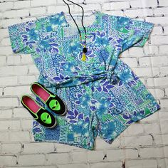 Vintage 90s Floral Vivid Blue Resort Wear Two Piece Matching Short & Top Set (shoes not included)